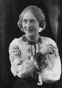 Dame_Laura_Knight_circa_1910